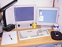 写真:机の上